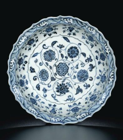 A_FINE_BLUE_AND_WHITE__FLOWERS__DISH