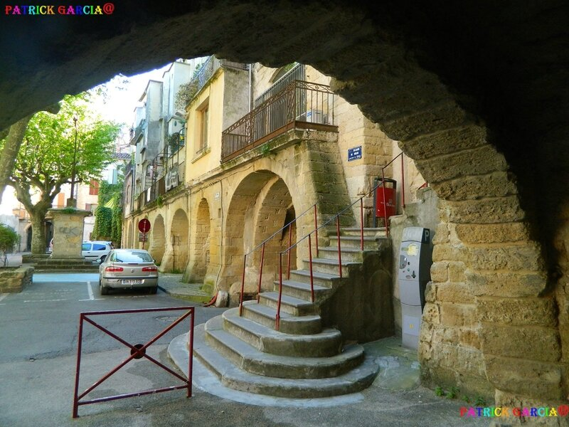 SOMMIERES PONT ARCHES CACHEES 376 copie
