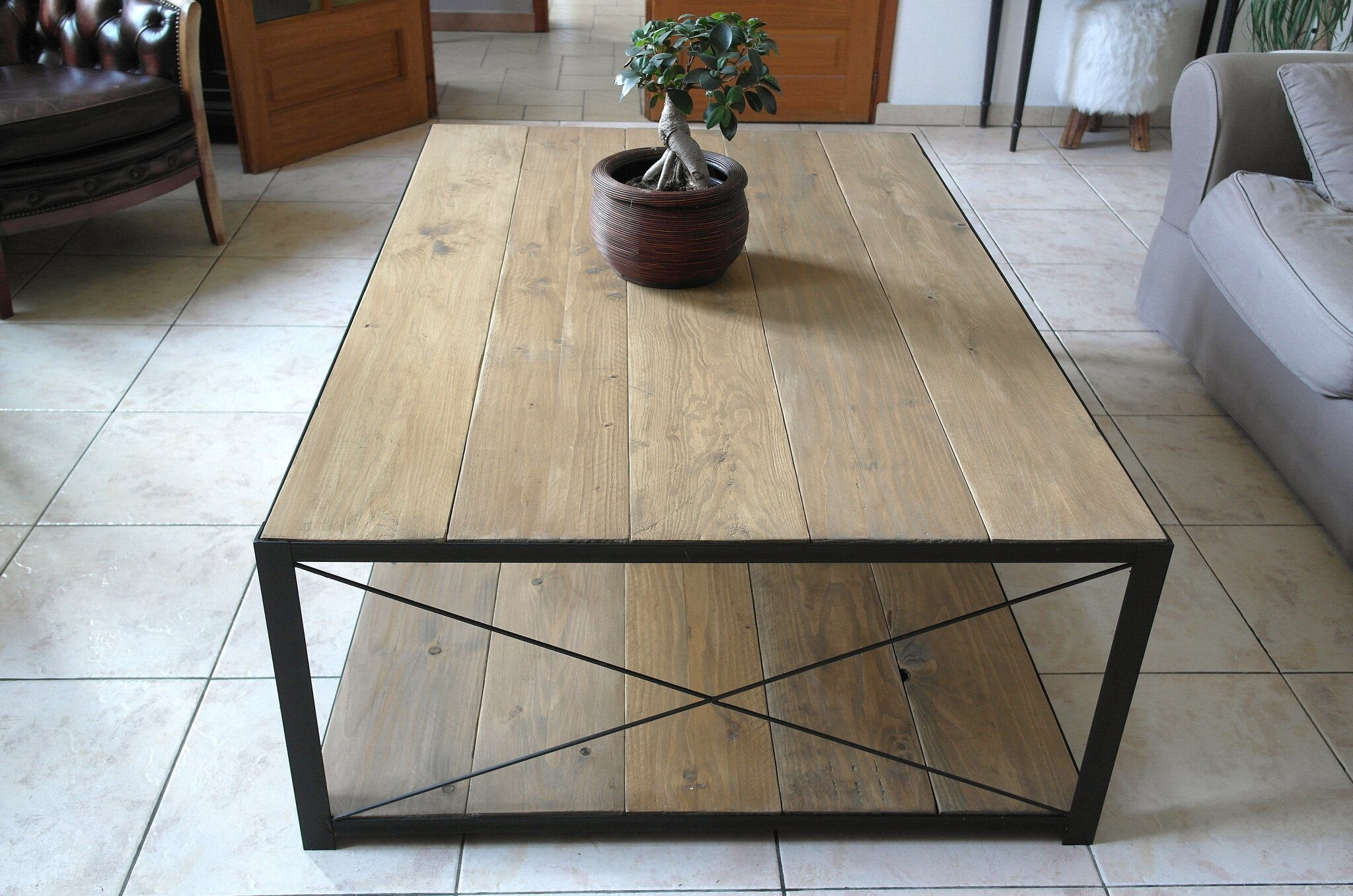 Grande table basse l 39 atelier broc loft - Grande table de salon en bois ...