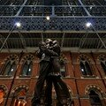 'Etreinte'  St-Pancras