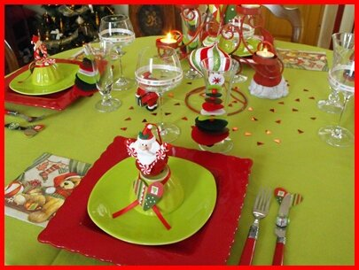 table de noël rouge et vert anis - album photos - tables en fête !