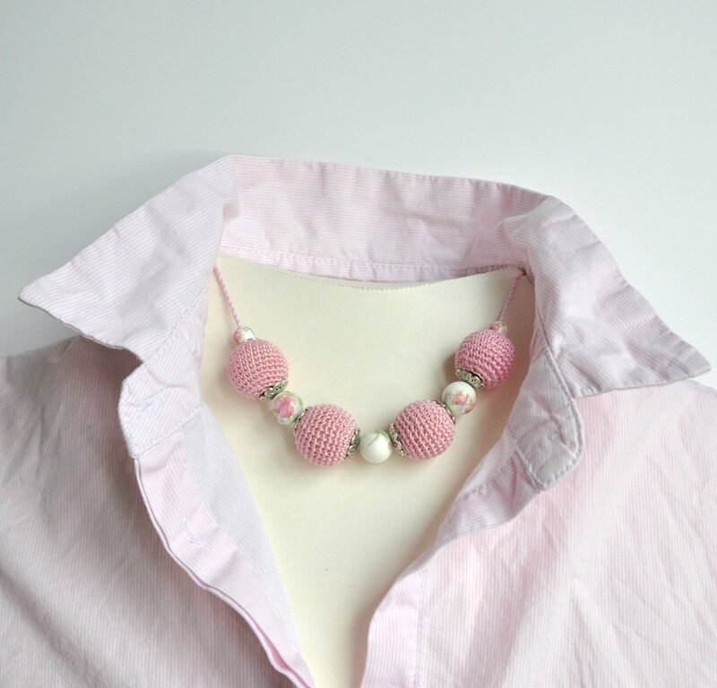 collier perle crochet rose 2