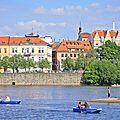 Prague: un 1er mai au bord de la vltava