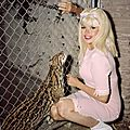 jayne_pink_palace-outside_animal-02-2
