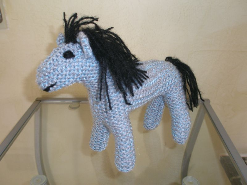 Petit cheval 26cm tricot doudou et le petit monde de beb - Animaux en tricot facile ...