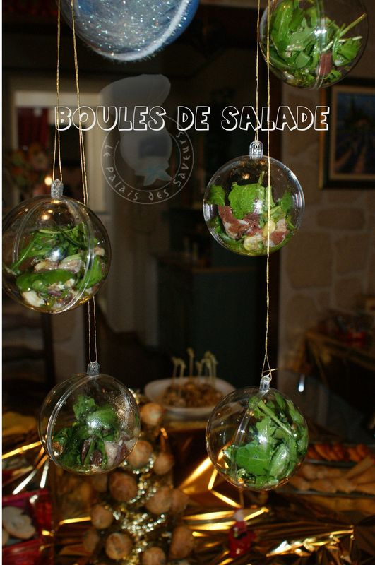 boules de salade suspendues le palais des saveurs. Black Bedroom Furniture Sets. Home Design Ideas