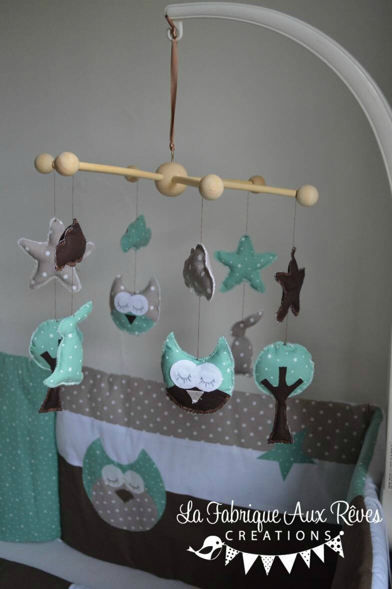 Mobile veil b b hibou chouette arbre lapin toiles menthe glac e taupe chocolat photo de 5 for Decoration chambre bebe hibou