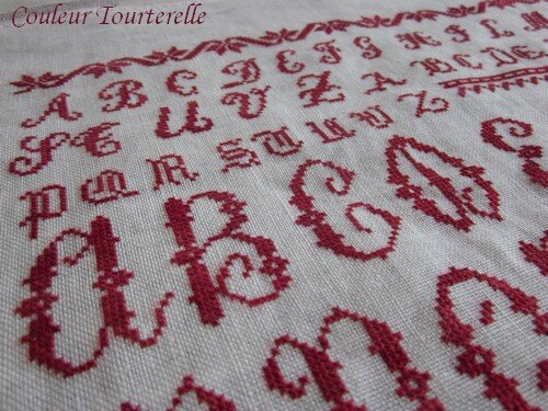 Ersilia's Sampler Attic - Couleur Tourterelle 1 3