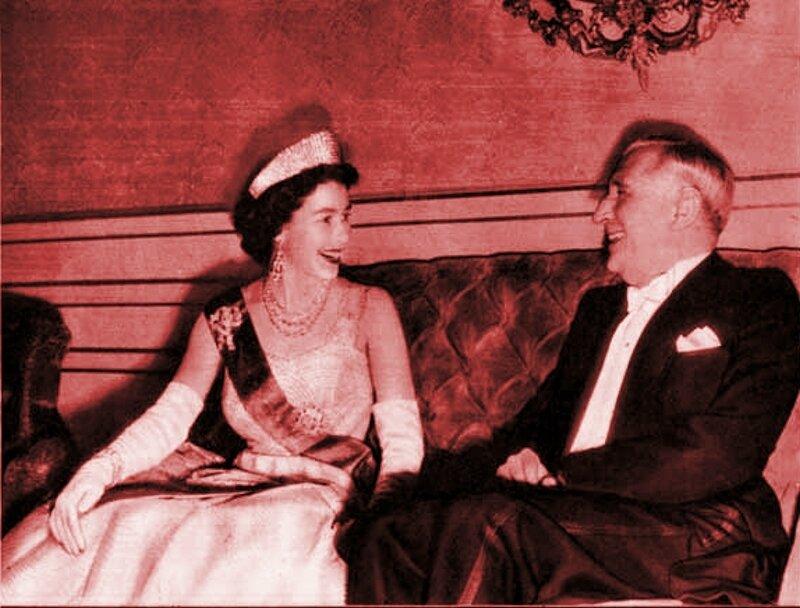 Salazar with Queen Elizabeth II