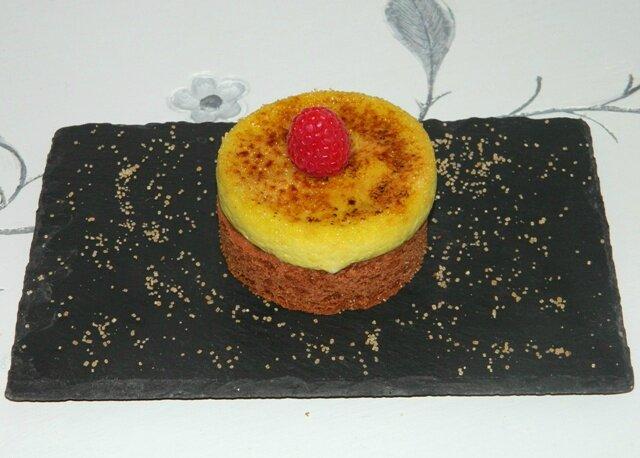 Palet breton cacao, framboises, chocolat blanc, crème brûlée pistache