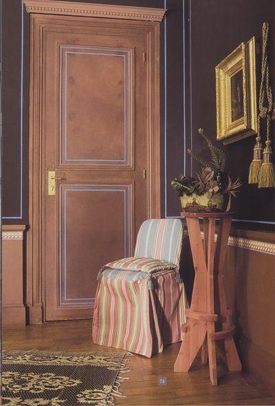 listel turquoise sur murs marron