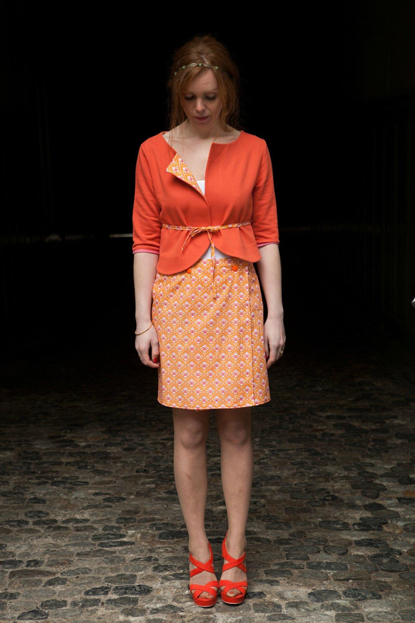 Ensemble chic et vintage jupe porte-feuille et veste