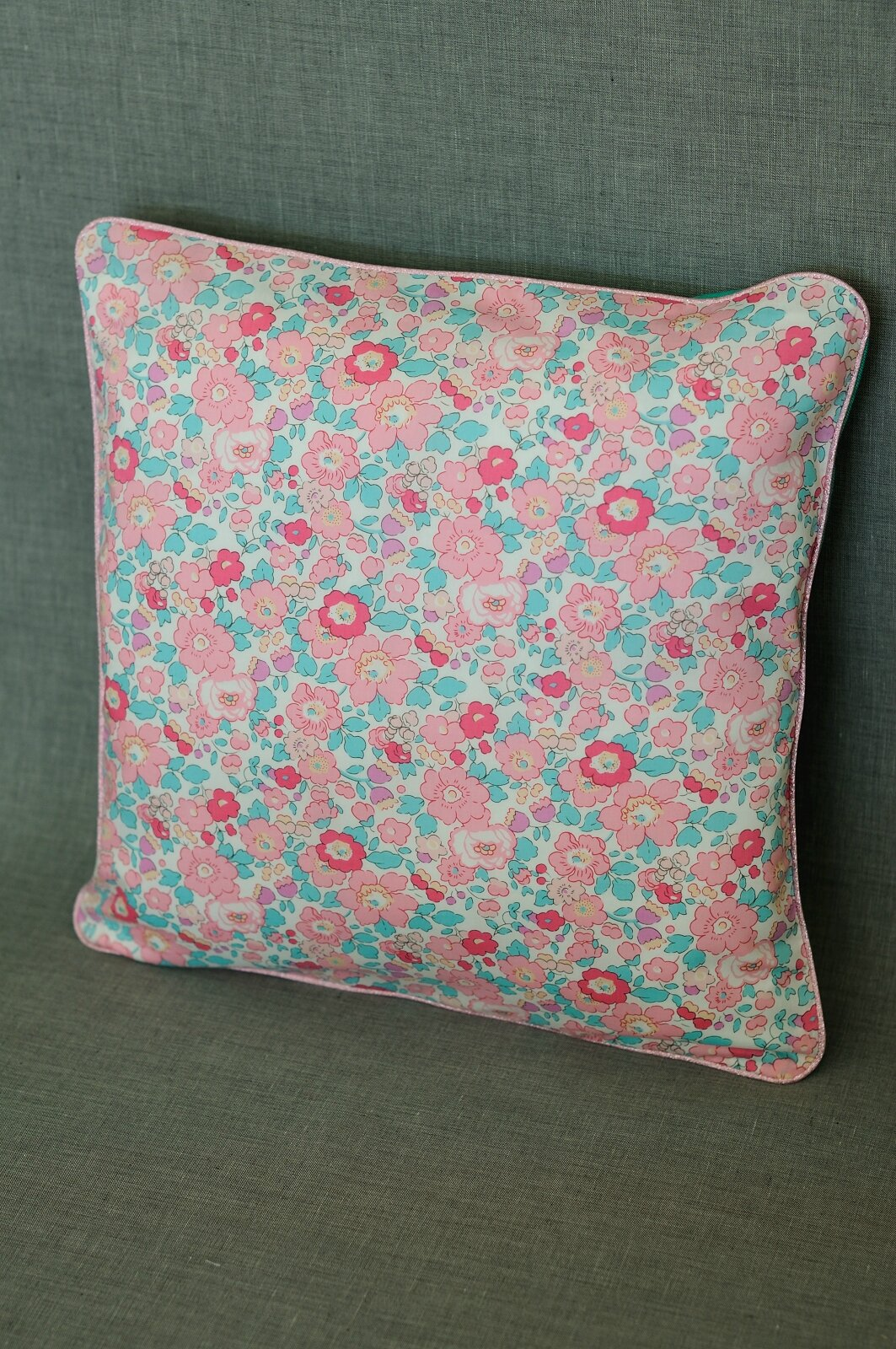 coussin Betsy menthe rose