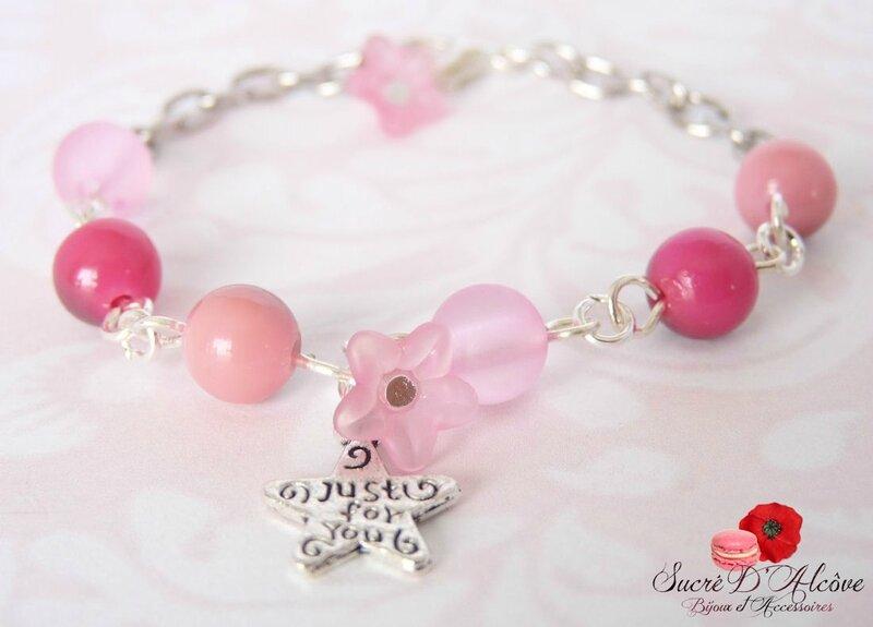 Bracelet fantaisie fillette perles et fleures roses (1)