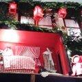 Décoration de noël de magasin à Strasbourg, Le Petit chaperon rouge