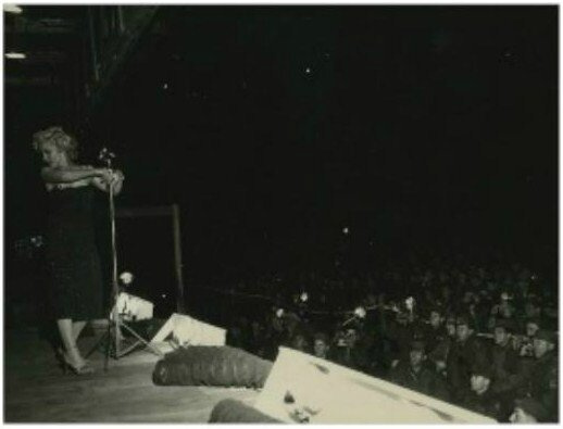 1954-02-korea-dress_purple-stage_out-sing-022-2