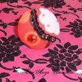 Rondeur rouge rose noir