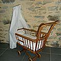 berceau ancien / landau / lit à roulettes pour poupée VENDU : modèles en stock sur http://www.alittlemarket.com/boutique/le_torchon_en_cavale-1127475.html