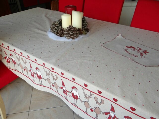 Nappe de no l la couture lulue for Nappe et serviettes de table
