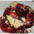 Crumble mûre, prunes et pommes du jardin