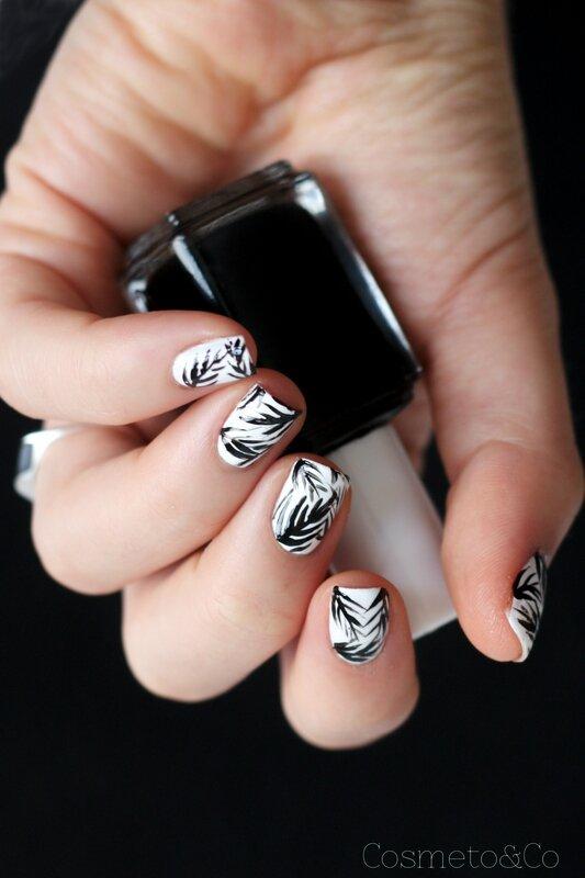 nail art tropical feuille palme noir et blanc essie-3