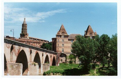 the old bridge in Montauban (and the only one at that time)