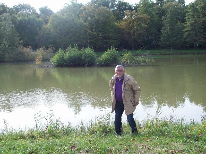 GILBERT au bord du lac le4-9-15