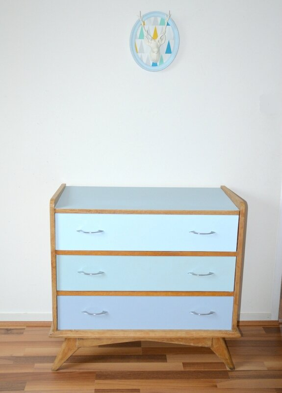commode-scandinave-bleue 210 €