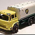 Camion citerne bedford bp #25 c ...
