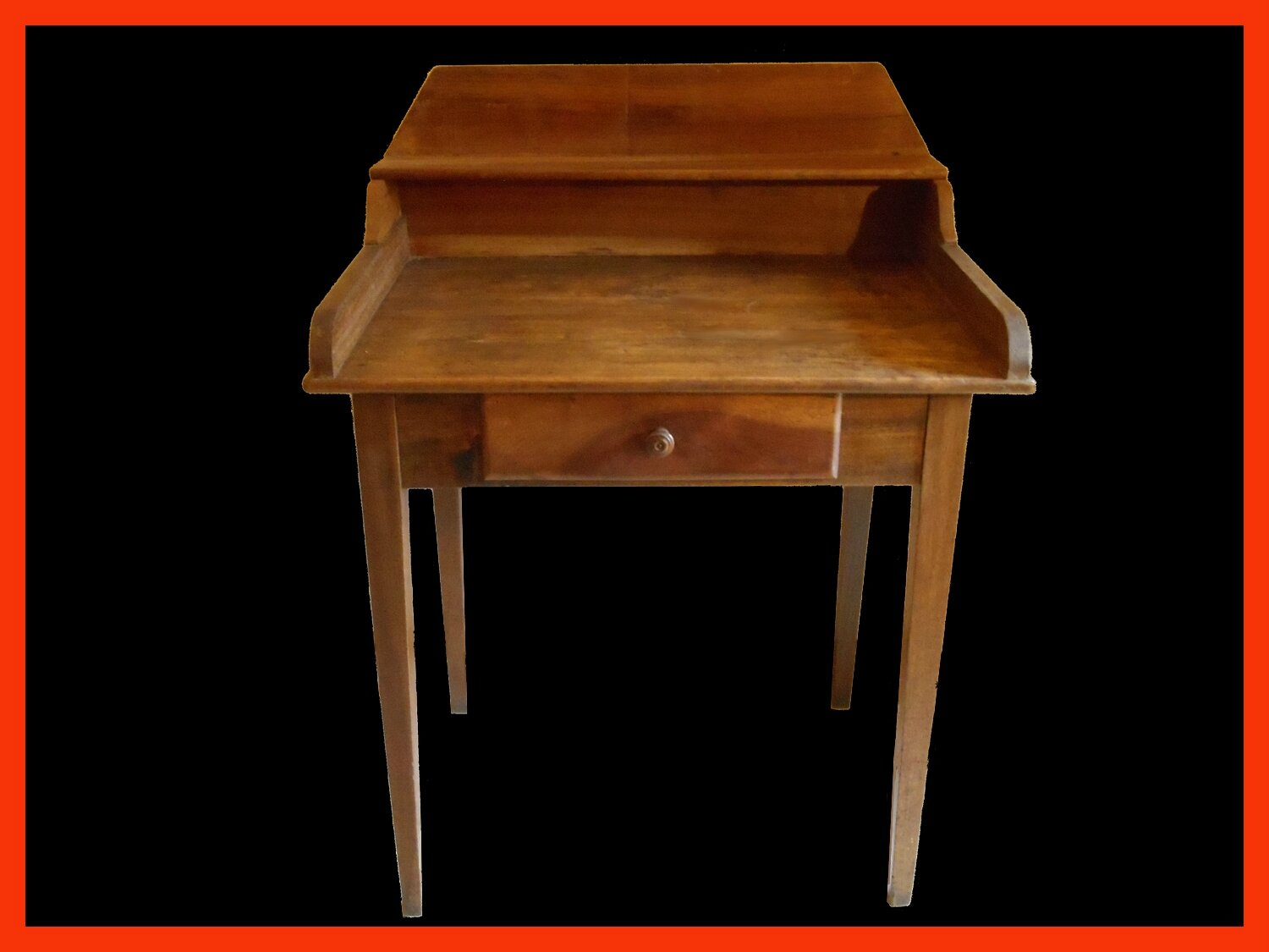 Table ecrire petit bureau ancien en noyer massif for Table bureau