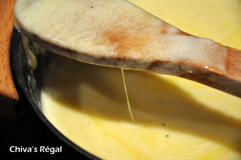 Faisons simple: fondue presque comtoise