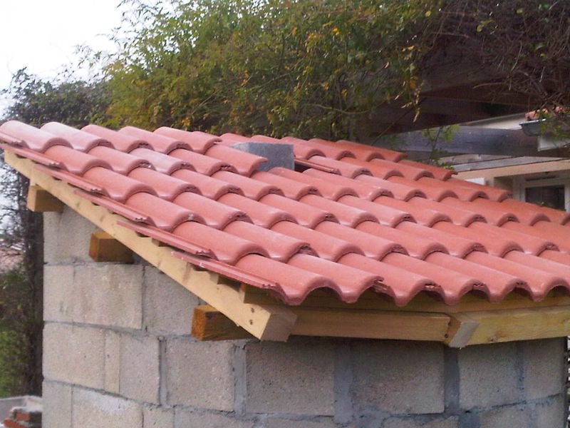 Enfin le toit est quasi fini four a p 39 ain - Tuile redland 24 plein ciel ...