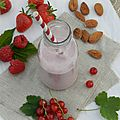 Smoothie fruits rouges et amandes