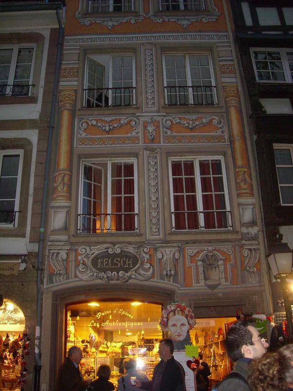 Admirer la façade