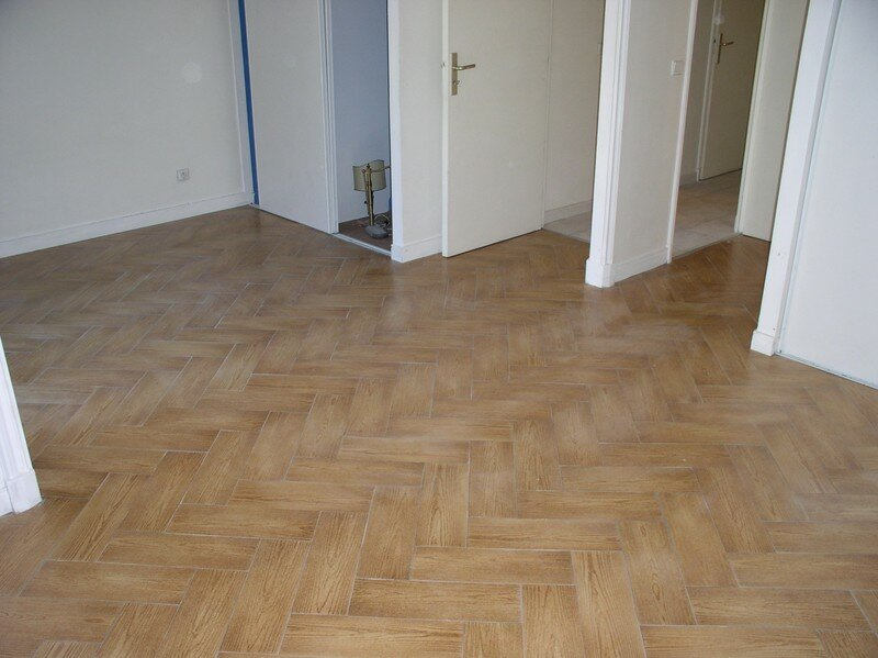 Carrelage imitation parquet sarl madibat for Pose de carrelage imitation parquet