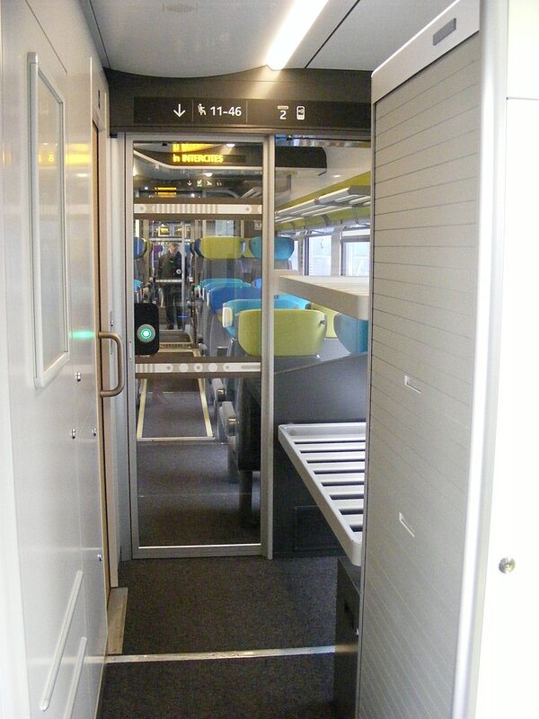interieur-coradia-liner-bagages-WC