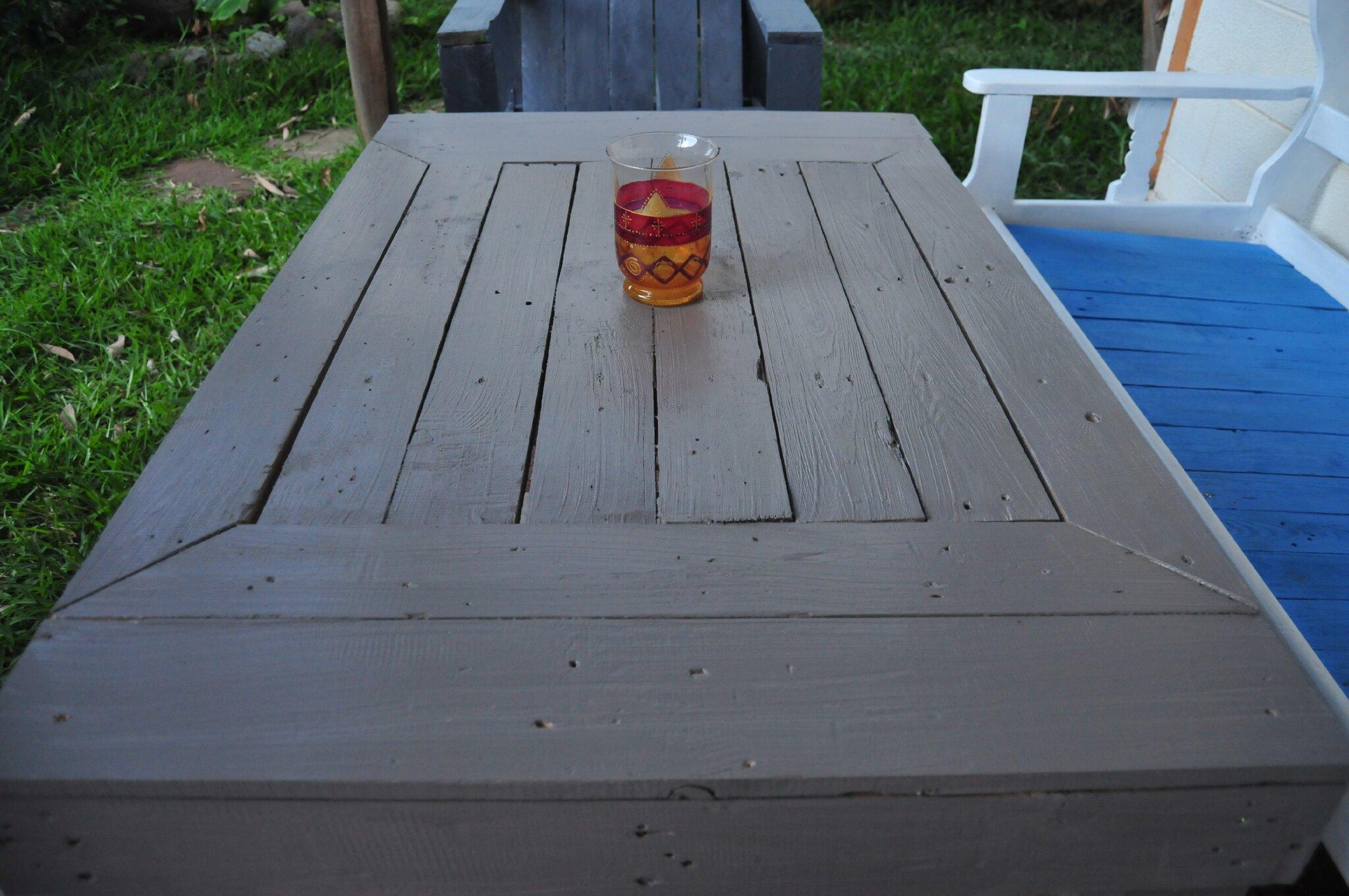 Créations et meubles en bois de palettes recyclées