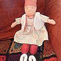 Janvier : la poupée n'a pas encore de cheveux !