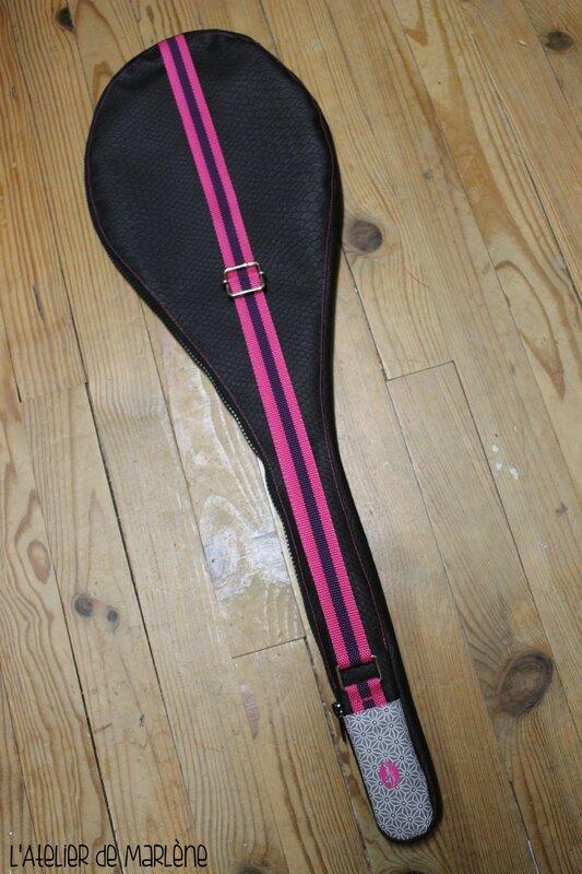 housse de raquette de badminton femme rose et noir 3