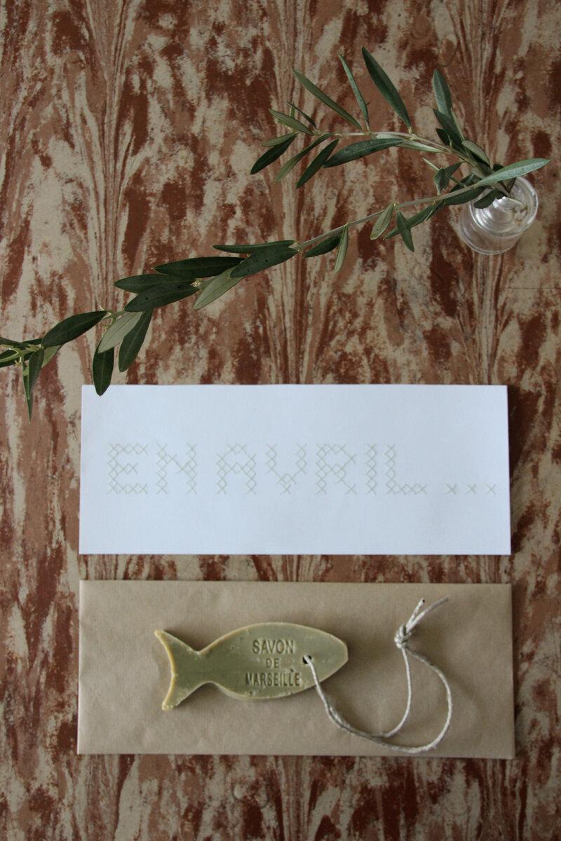 Poisson d'avril : DIY la pochette cadeau brodée en point de croix