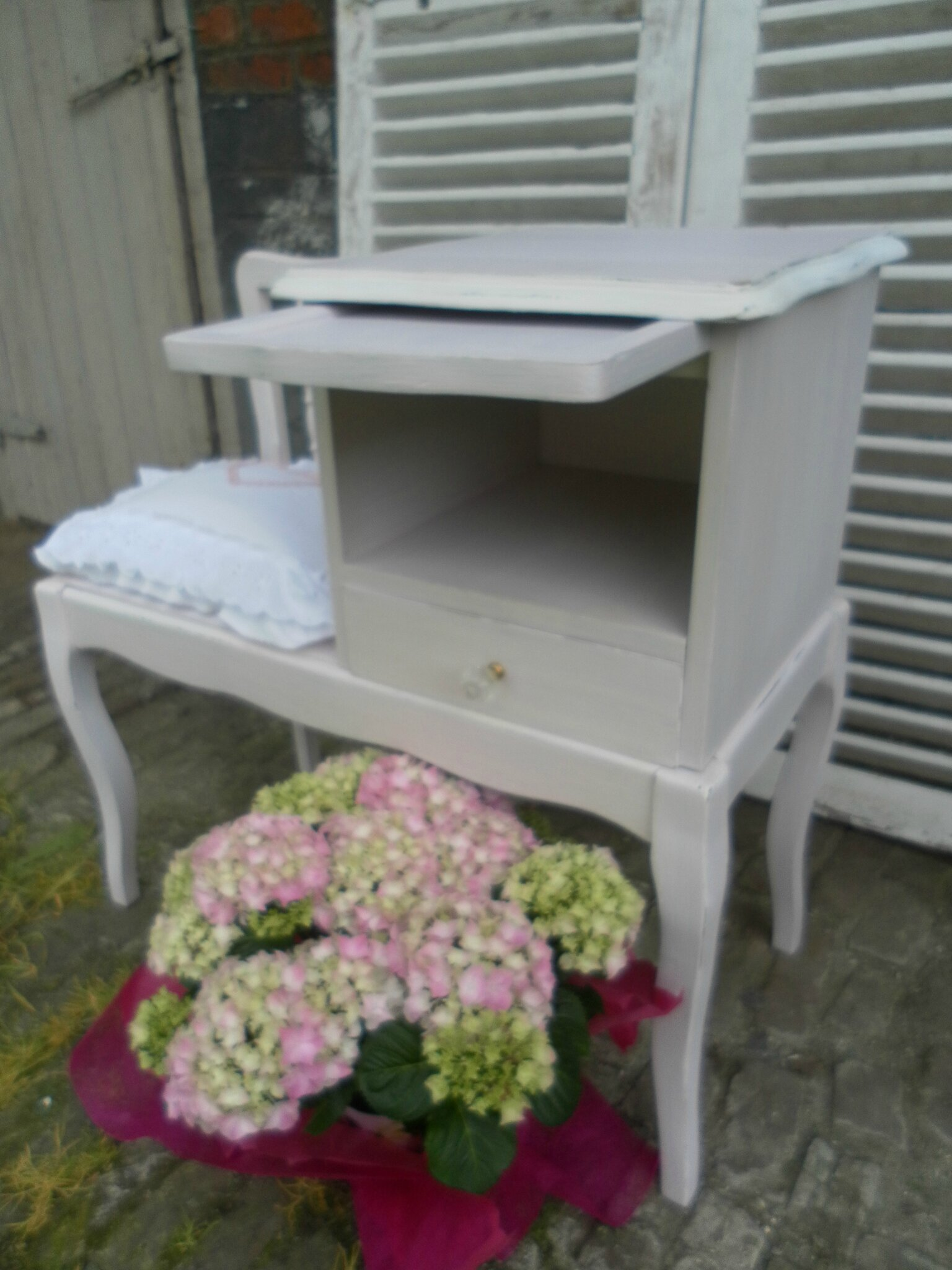 les meubles les champs vienne brocante en nord. Black Bedroom Furniture Sets. Home Design Ideas