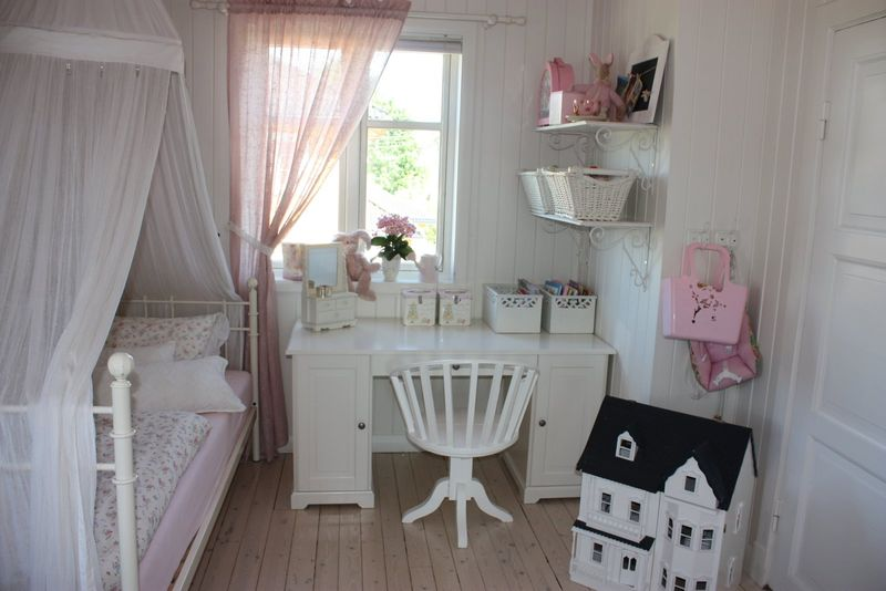 chambre petite fille chic avec des id es int ressantes pour la conception de la. Black Bedroom Furniture Sets. Home Design Ideas