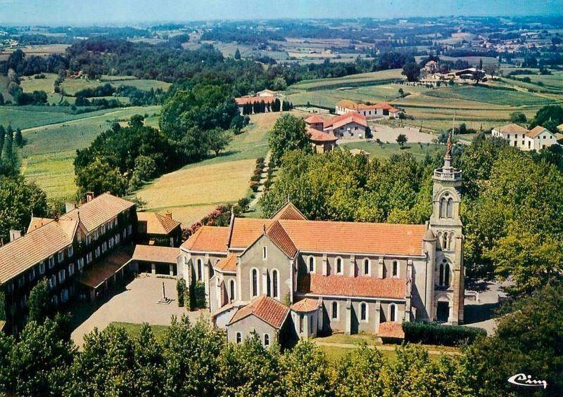 Maylis, l'église abbatiale