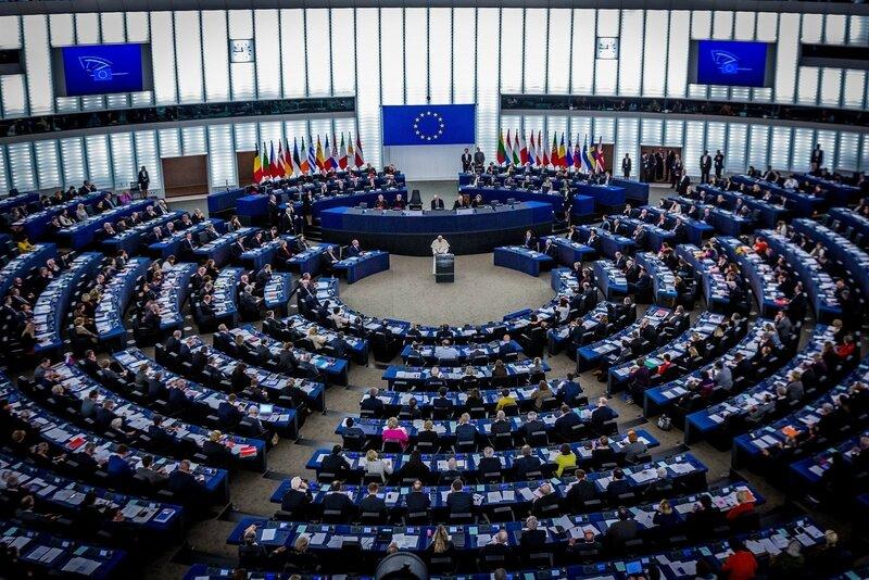 Parlement-européen-de-Strasbourg-le-25-novembre-2014-lors-de-la-visite-du-Pape-François-Crédits