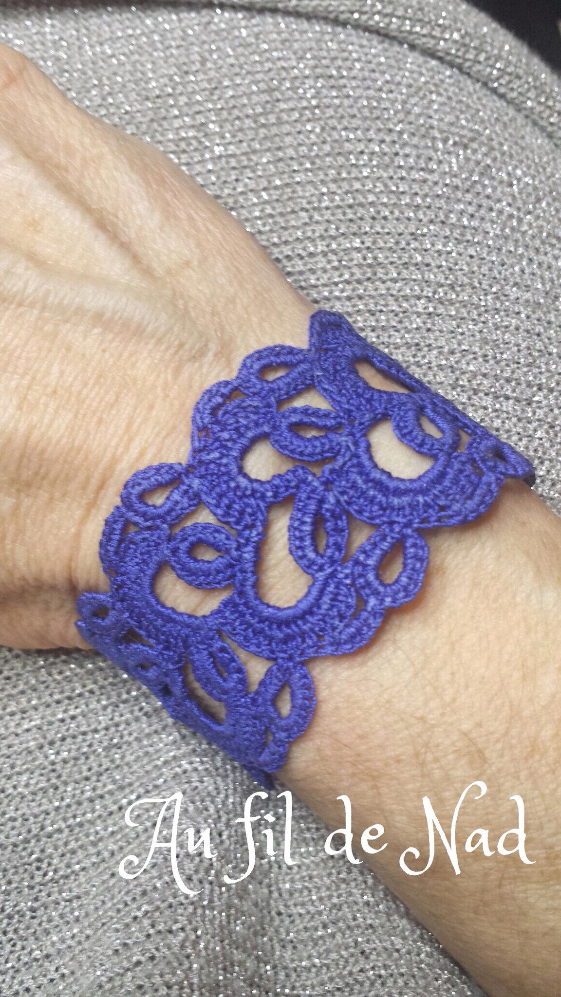 Bracelet en dentelle crochet bleu