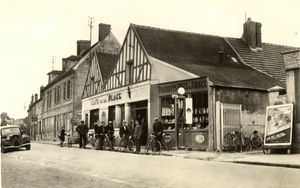 Commerces - Café de la Place 2