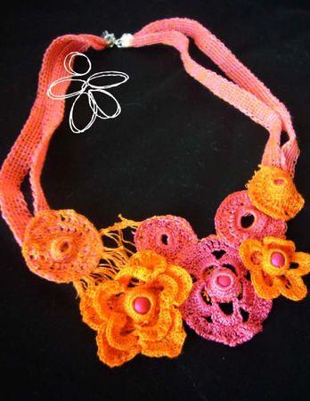collier crochet et tricot orange rose