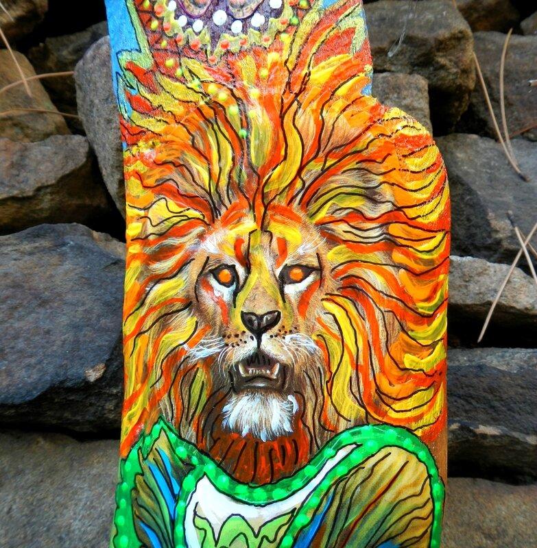 lion tiny totem détail