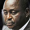 Il faut oublier le passe de putchiste du pdt francois bozize de centrafrique et lui accorde un soutien face aux rebelles.