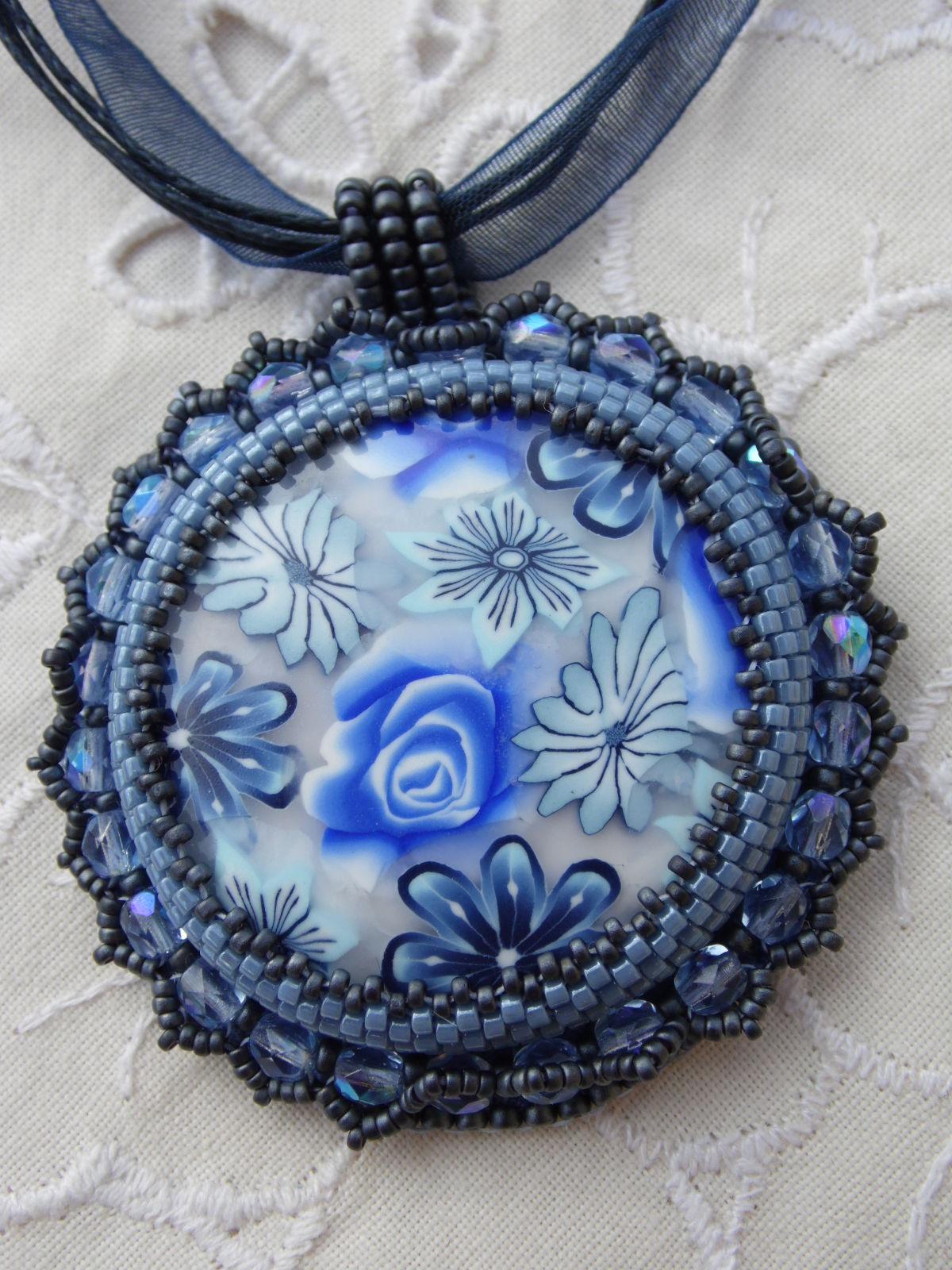 Cabochon bleu